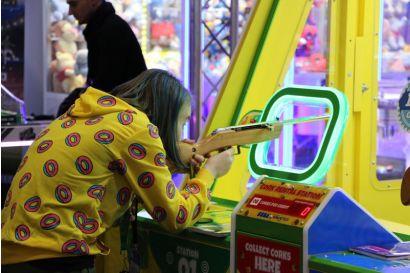 Shoot It Win It - Player aiming the gun