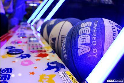 Sonic Sports Basketball - Closeup of the basketballs and lighting